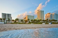 Vacation Hub International | Holiday Inn Miami Beach Oceanfront Hotel Food