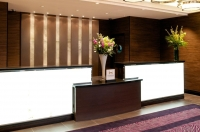 Vacation Hub International | DoubleTree by Hilton Hotel London - Victoria Lobby