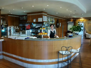 Vacation Hub International | Yachting Hotel Mistral Sirmione Lobby
