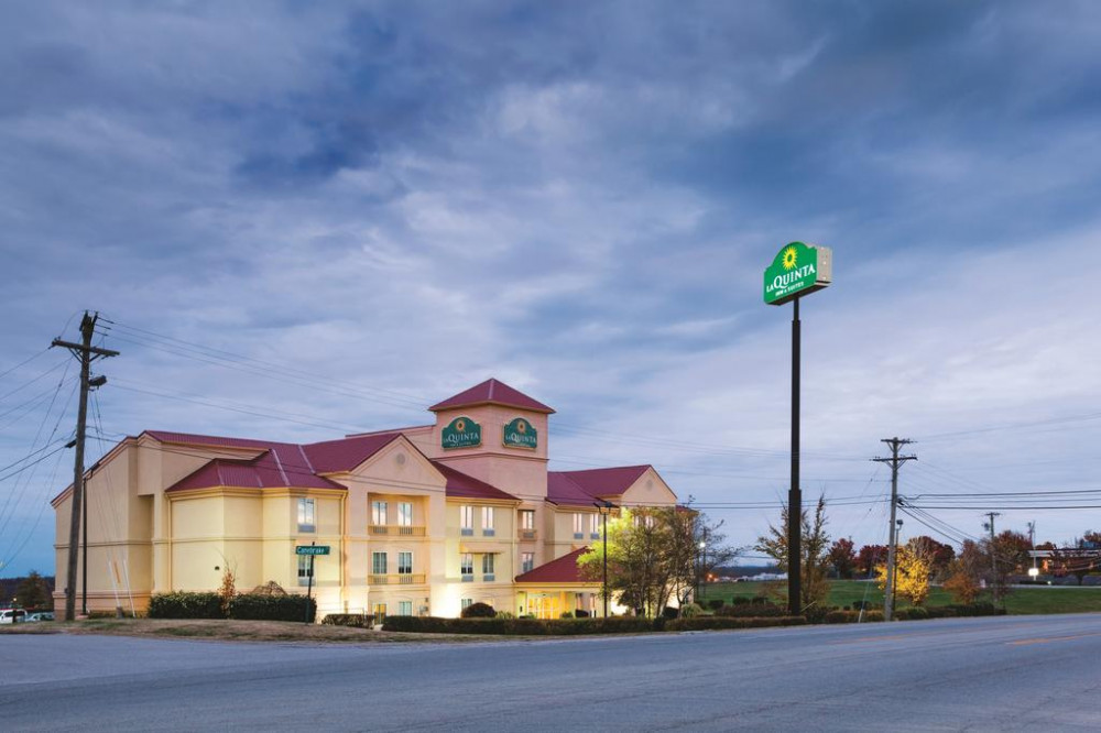 Vacation Hub International - VHI - Travel Club - La Quinta Inn & Suites Lexington South / Hamburg