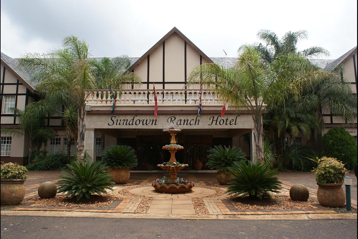 Vacation Hub International - VHI - Travel Club - Sundown Ranch Hotel