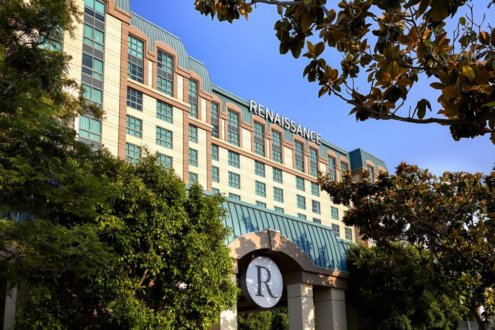 Vacation Hub International - VHI - Travel Club - Renaissance Los Angeles Airport Hotel