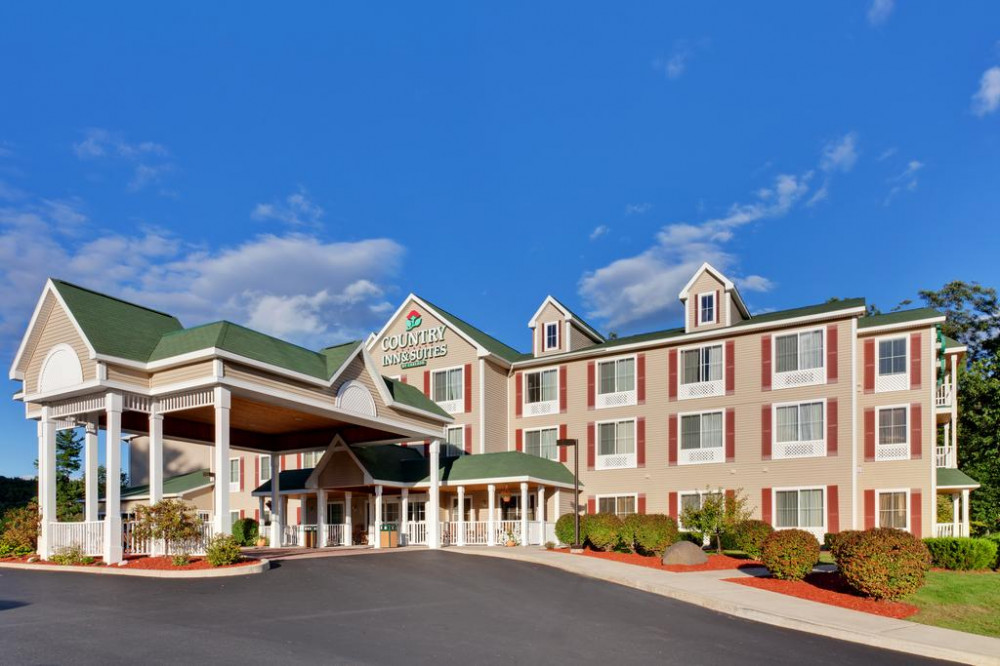 Vacation Hub International - VHI - Travel Club - Country Inn & Suites by Radisson, Lake George (Queensbury),