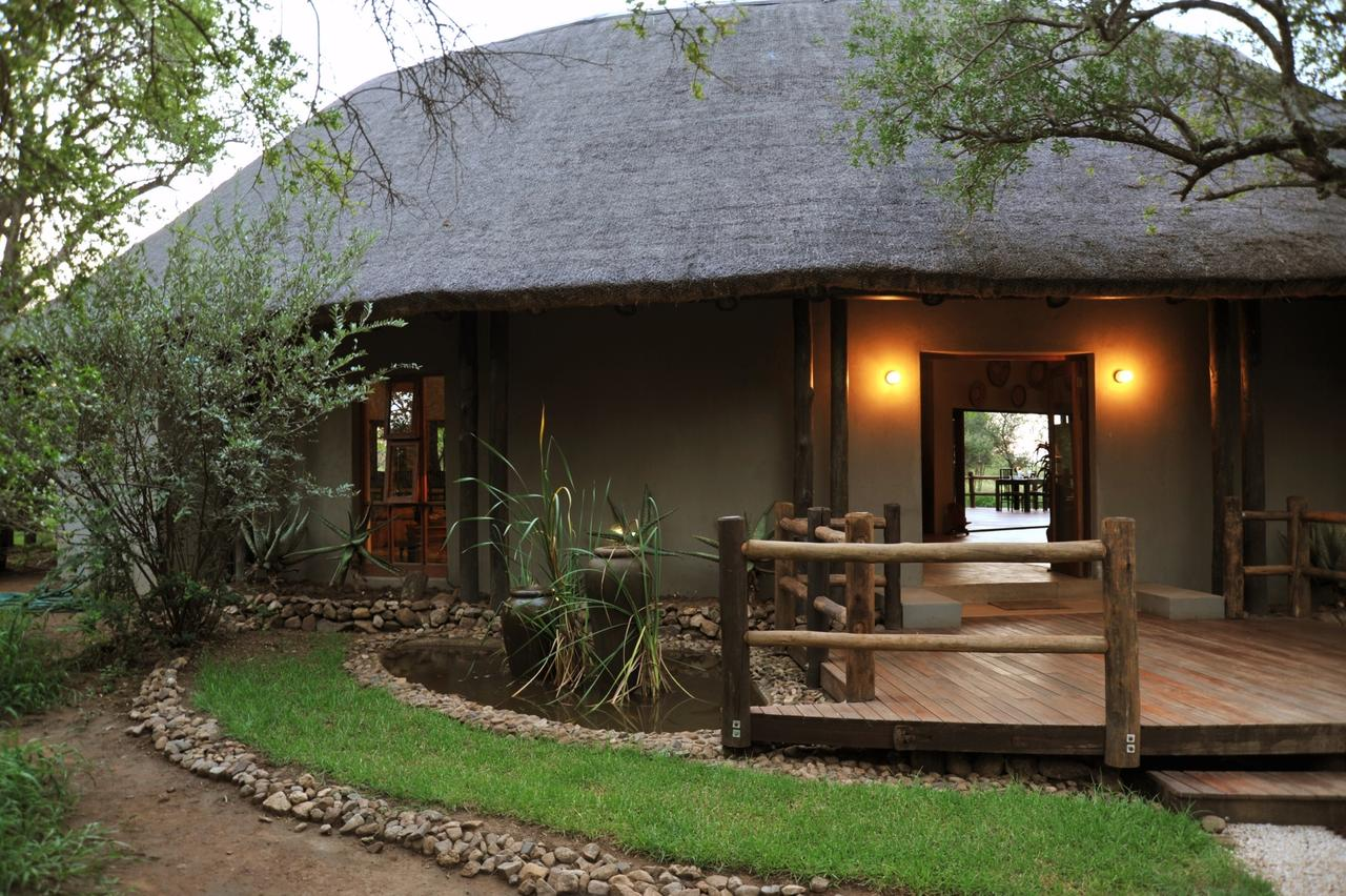 Vacation Hub International - VHI - Travel Club - Black Rhino Game Lodge