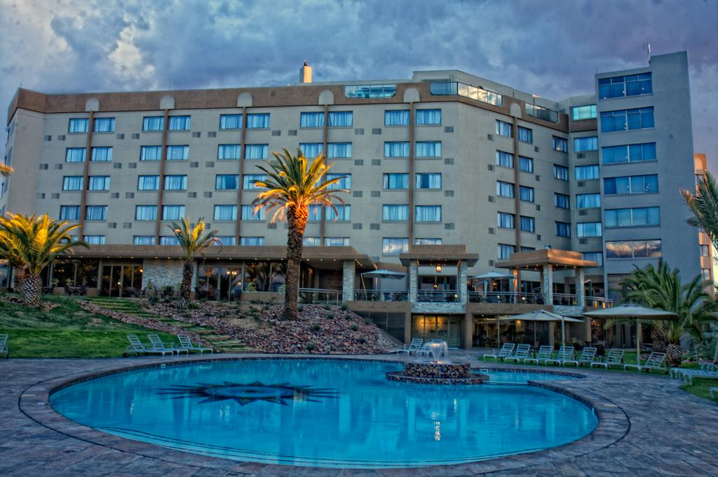 Vacation Hub International - VHI - Travel Club - Safari Court Hotel