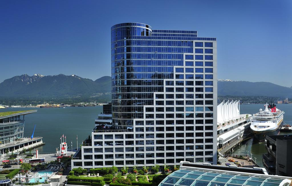 Vacation Hub International - VHI - Travel Club - Fairmont Waterfront Hotel