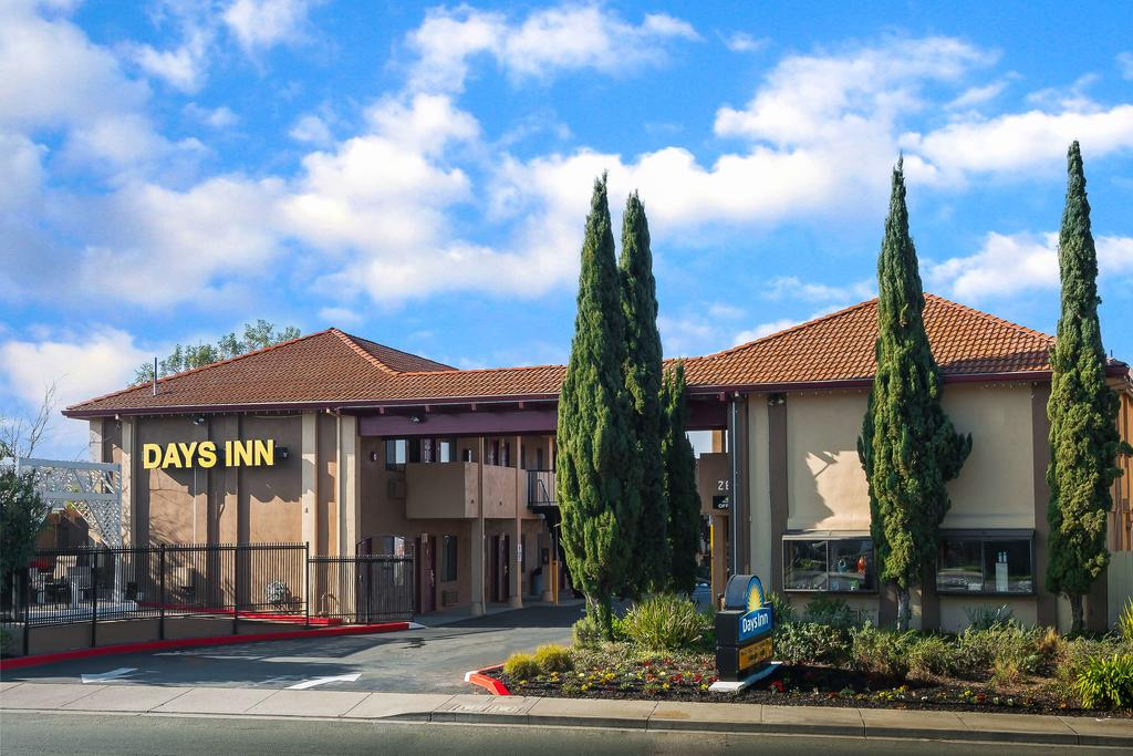 Vacation Hub International - VHI - Travel Club - Days Inn Berkeley/pinole