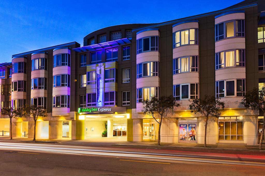 Vacation Hub International - VHI - Travel Club - Holiday Inn Fishermans Wharf