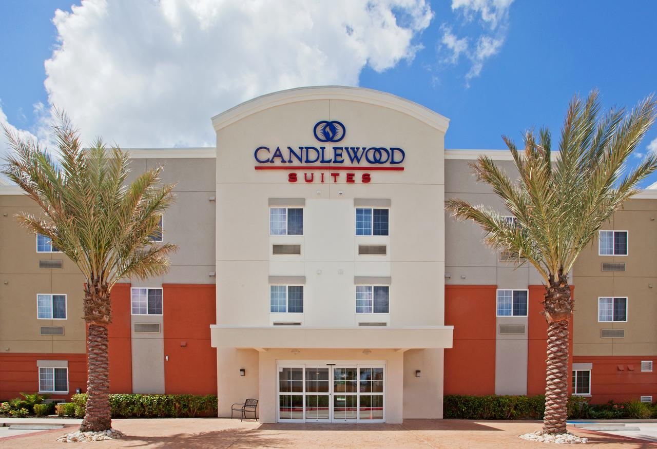 Vacation Hub International - VHI - Travel Club - CANDLEWOOD SUITES HOUSTON WILLOWBROOK