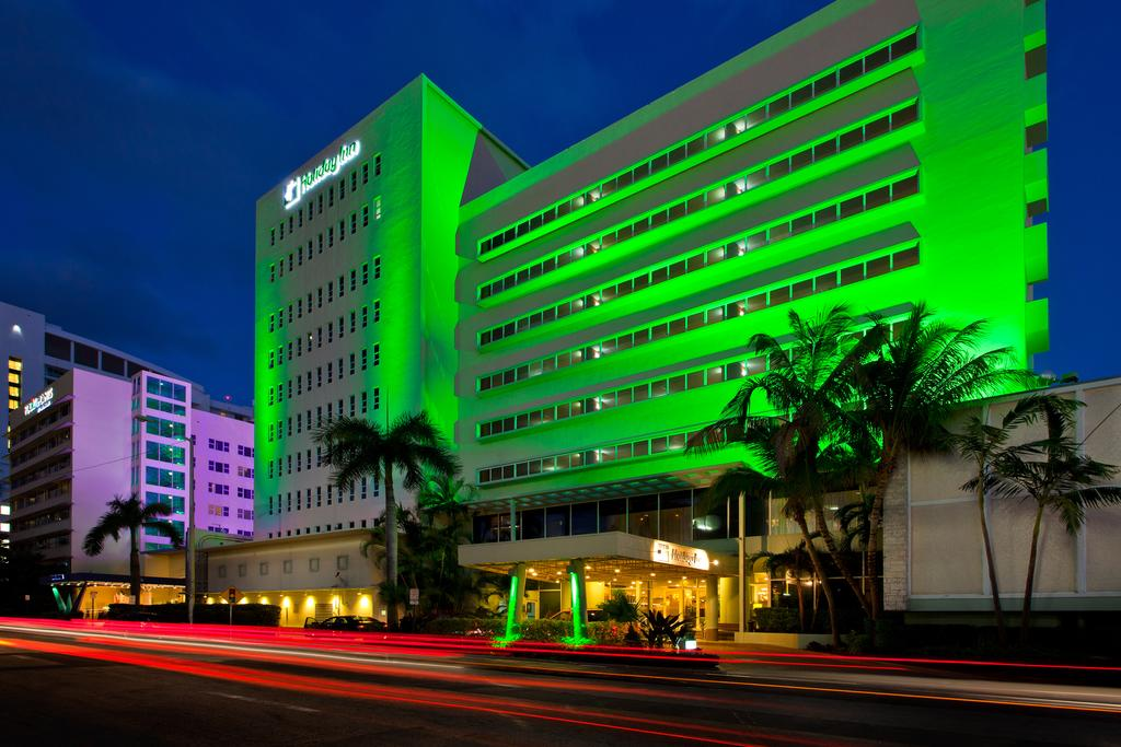 Vacation Hub International - VHI - Travel Club - Holiday Inn Miami Beach Oceanfront Hotel