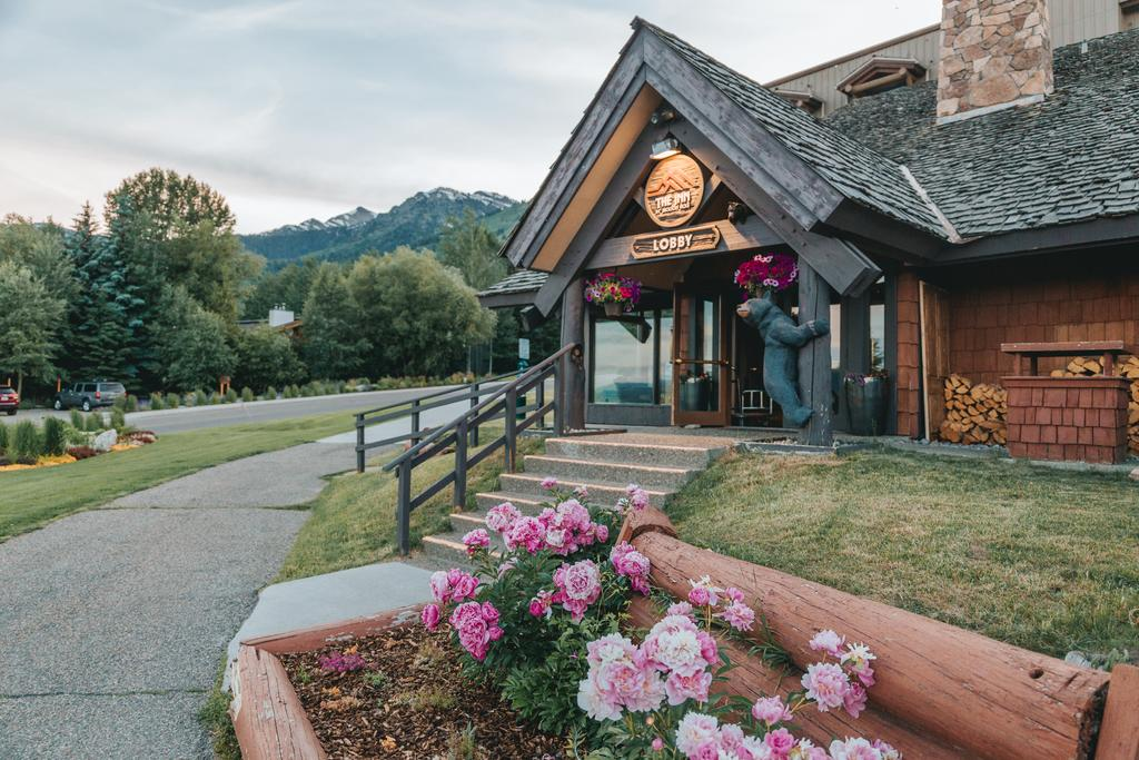 Vacation Hub International - VHI - Travel Club - The Inn At Jackson Hole