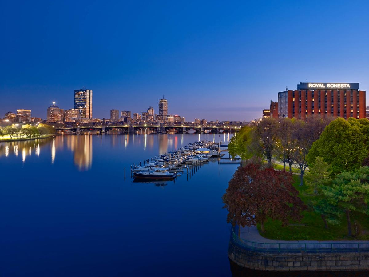 Vacation Hub International - VHI - Travel Club - Royal Sonesta Hotel Boston