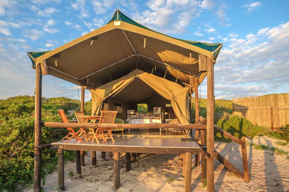 Vacation Hub International - VHI - Travel Club - West Coast Luxury Tents