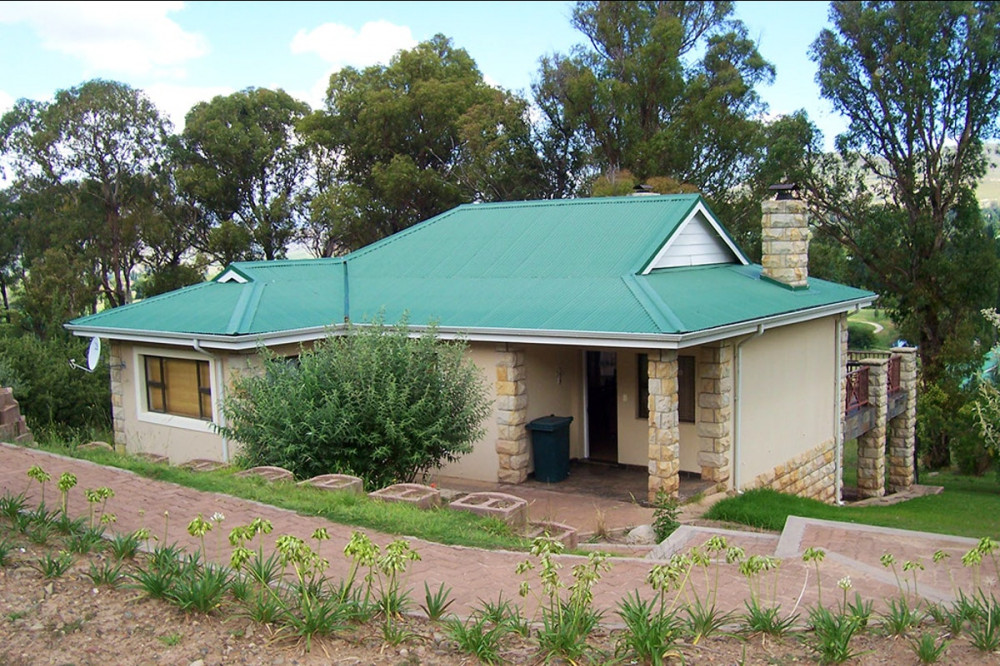 Vacation Hub International - VHI - Travel Club - Clarens Accommodation Bookings - Blue Gum Villa 69