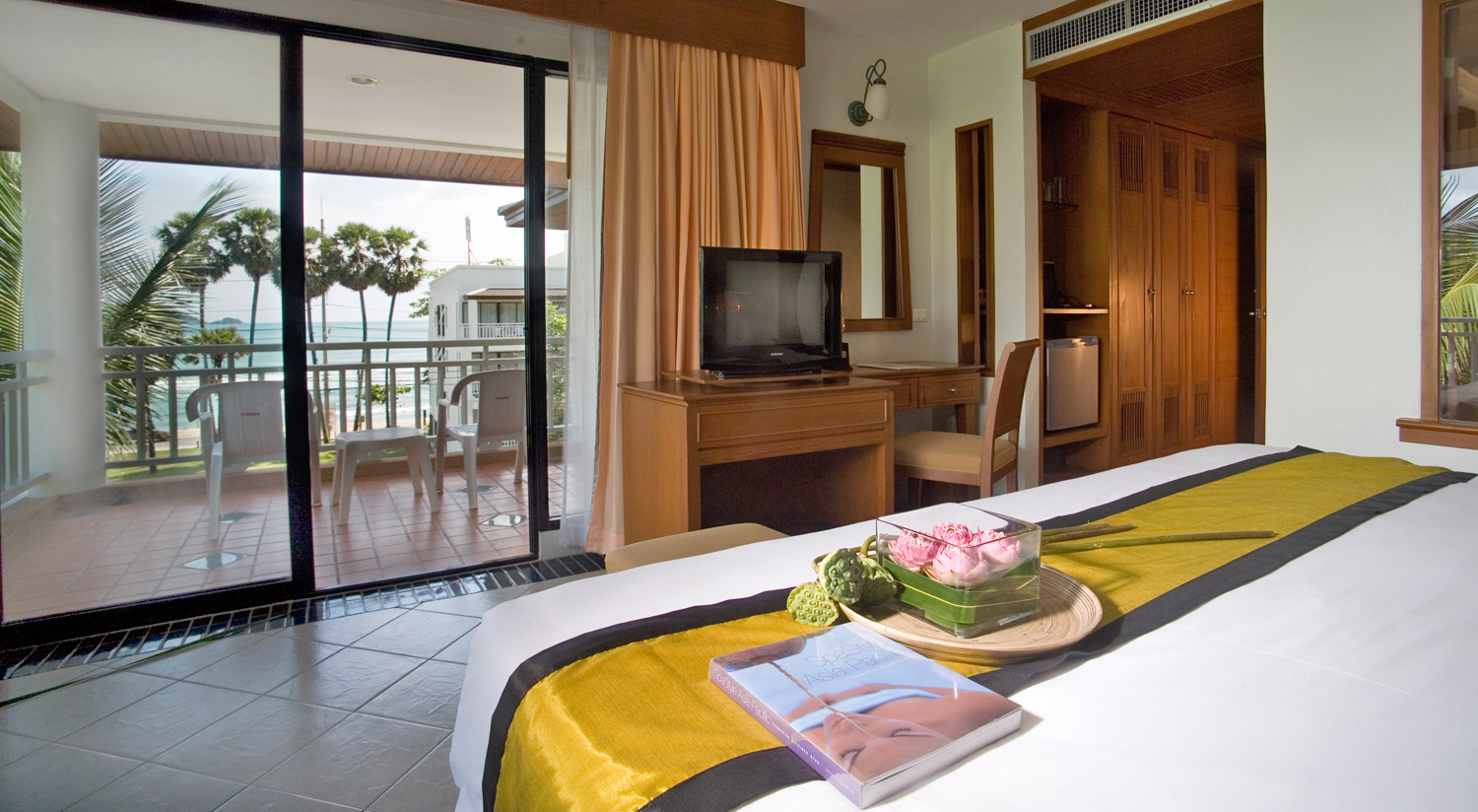 Vacation Hub International | Sunset Beach Resort Room