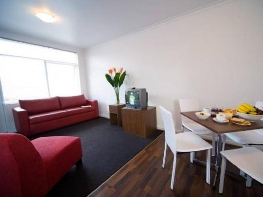 Vacation Hub International | Easystay Raglan Street Room