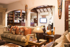 Vacation Hub International | Five Burnham Room